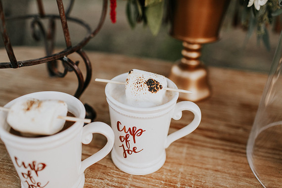 How awesome would these roasted marshmallow drinks be at a fall or winter wedding!?