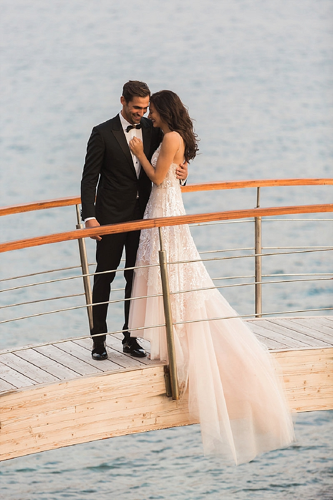 We're swooning over this STUNNING styled wedding in Greece!!