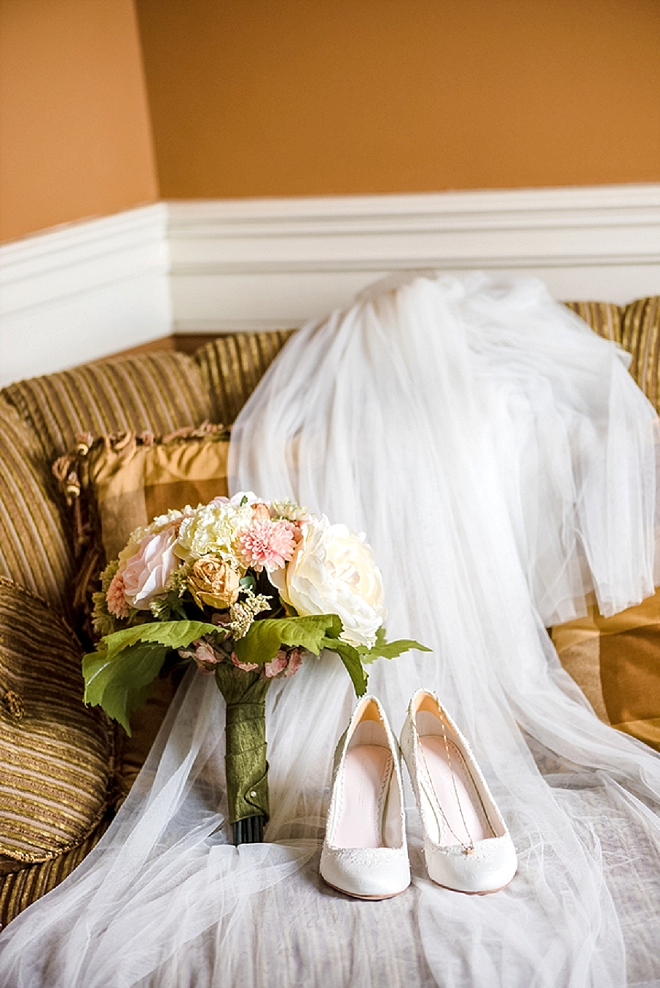 In LOVE with this Bride stunning wedding day details!