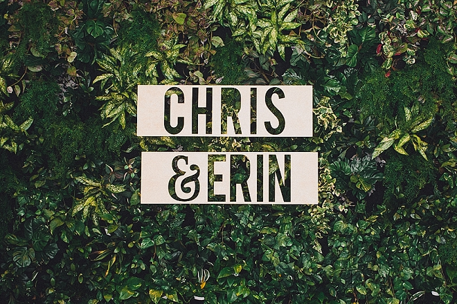 How amazing is this modern couple signage for this wedding?! LOVE!