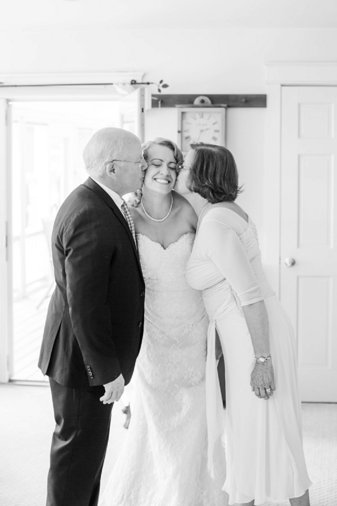 How sweet is this snap of the Bride and her parents! SO cute!