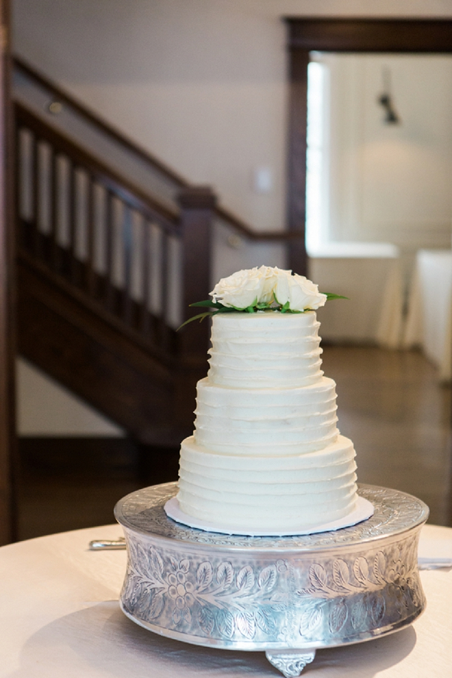 Check out this stunning cake snap! Love!
