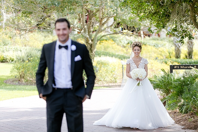 Swooning over this couple's super cute first look!