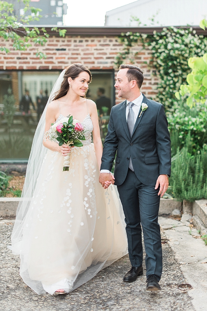 We are in LOVE with this gorgeous couple and their ridiculously crafty day!