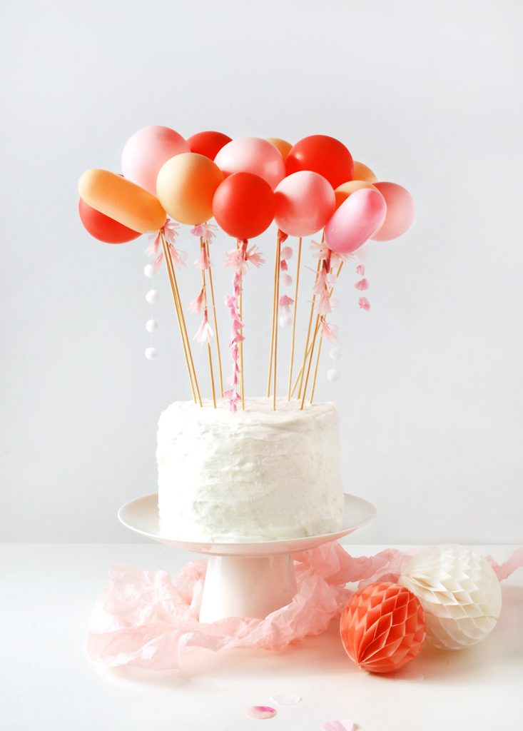 Bolo de bolo de balão DIY. TÃO BONITINHO!