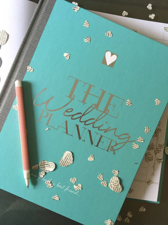 Don't forget a gorgeous wedding planning notebook!