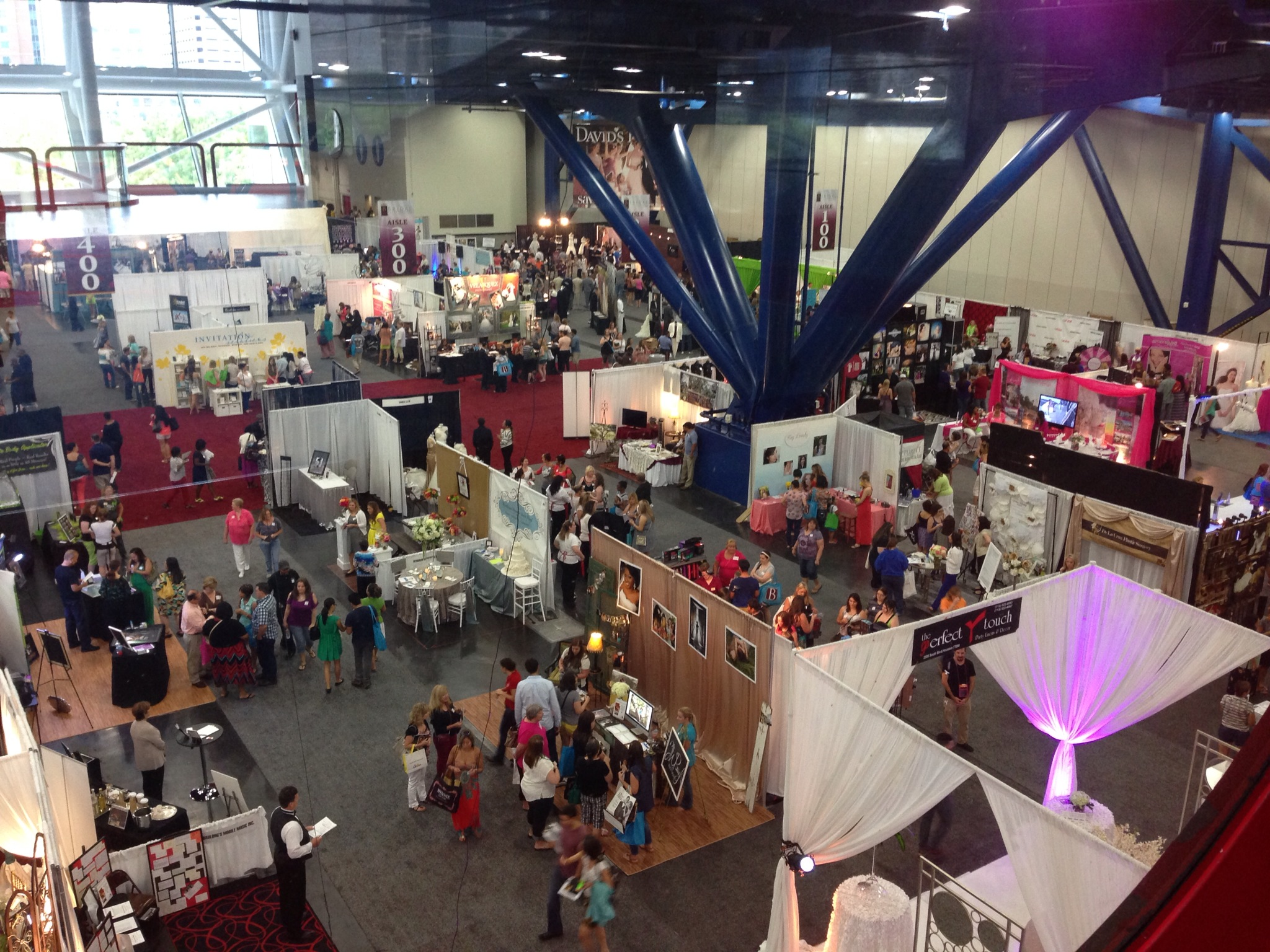 Check out this advice to keep your sanity at Bridal Expos!