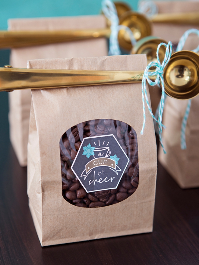 These DIY, Cup of Cheer coffee wedding favors are the cutest!!