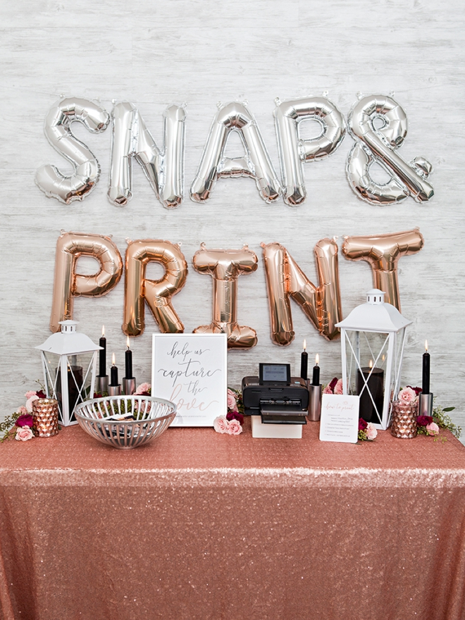 OMG, this photo printing favor station is adorable!!!
