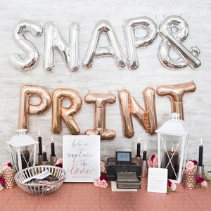 This photo printing favor station is adorable!!!