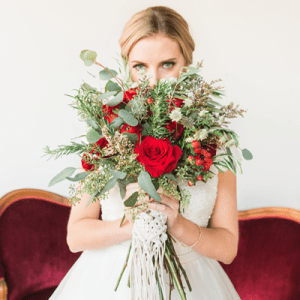 Crushing on this GORGEOUS winter wedding bridal shoot!
