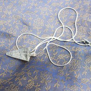 Pendulum pendant