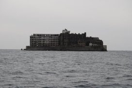 hashima-island-shaped-like-a-battleship