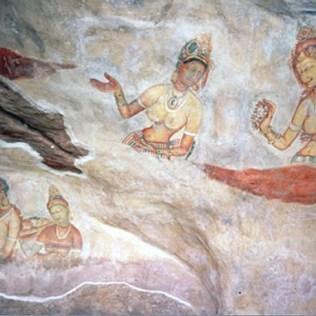 Sigiriya-maidens-1