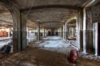 Buck-Hill-Inn-37-exchange-room-corridor