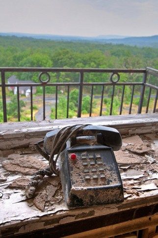 Buck-Hill-Inn-39-phone