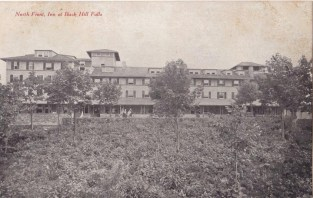 Buck-Hill-Inn-North-Front-1920s