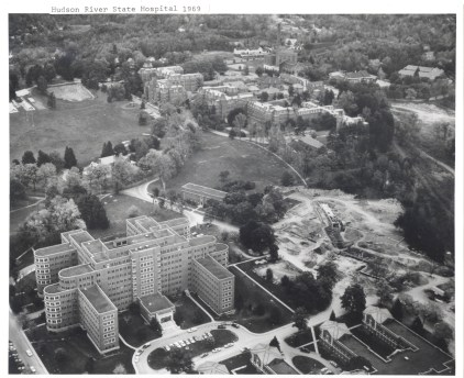 1969 aerial. New construction is Snow Rehab. Center (courtesy asylumprojects.org)