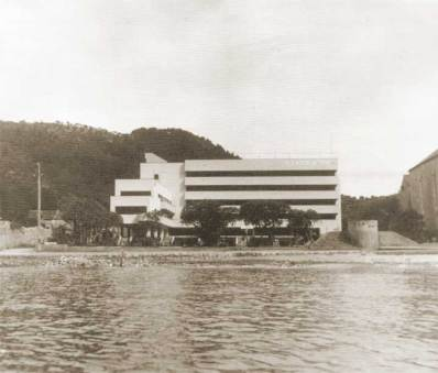 The Grand Hotel as seen from the sea in 1937.