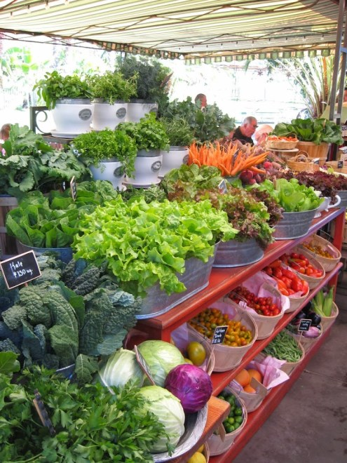 Flora Farms: Vegetable Stand
