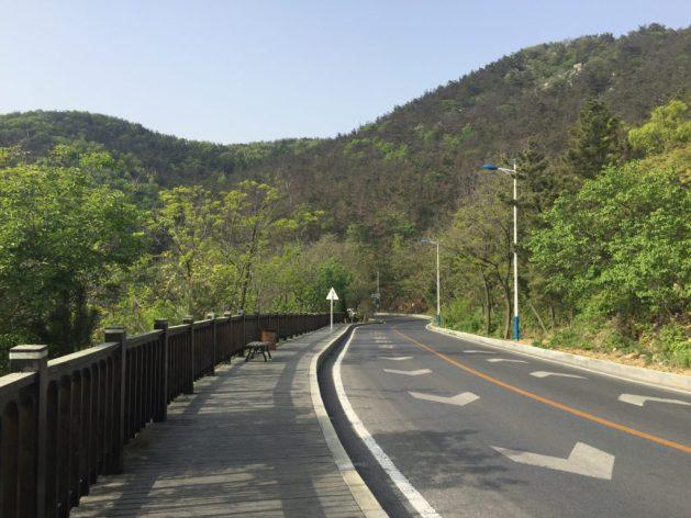 Dalian's coastal boardwalk