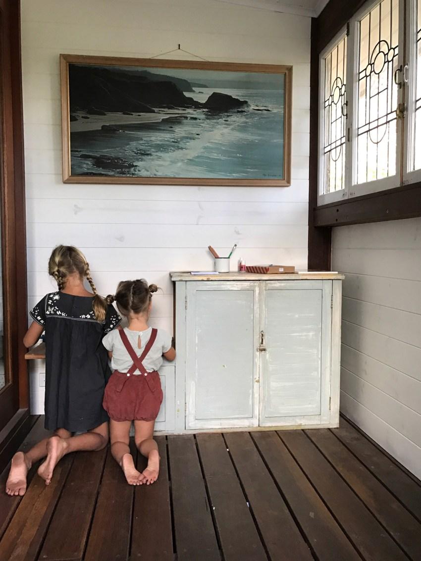 mermaids_girls-crafting