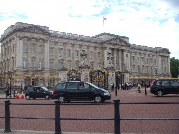 Buckingham Palace-London