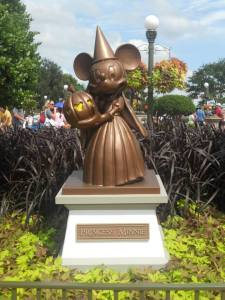 Minnie Mouse Halloween Statue