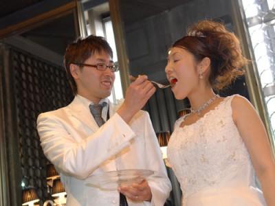 結婚式場での介護シーン