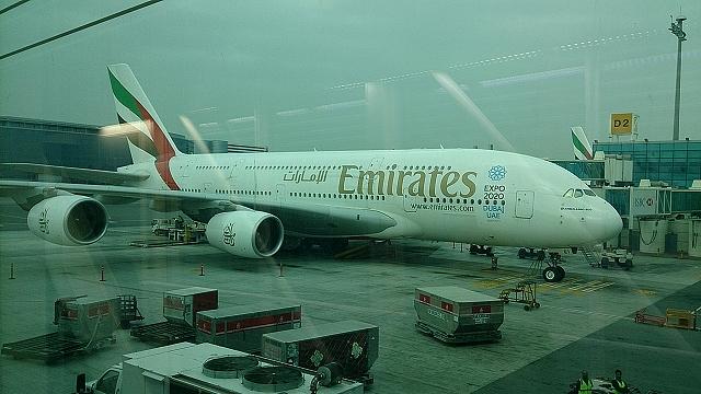 エミレーツ航空の設備とサービスが物凄い件 ~バルセロナ・ドバイ旅行記2~