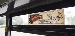 Cartells de civisme i sentit comú vers els conductors de busos