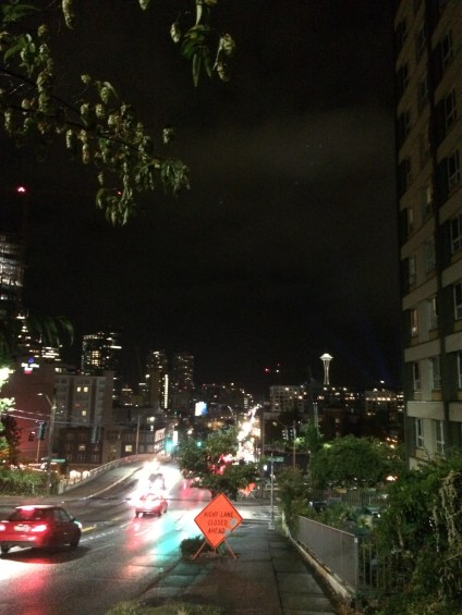 호텔로 돌아오는 밤거리