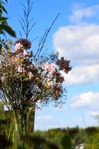 Fest dekorerad med blommor