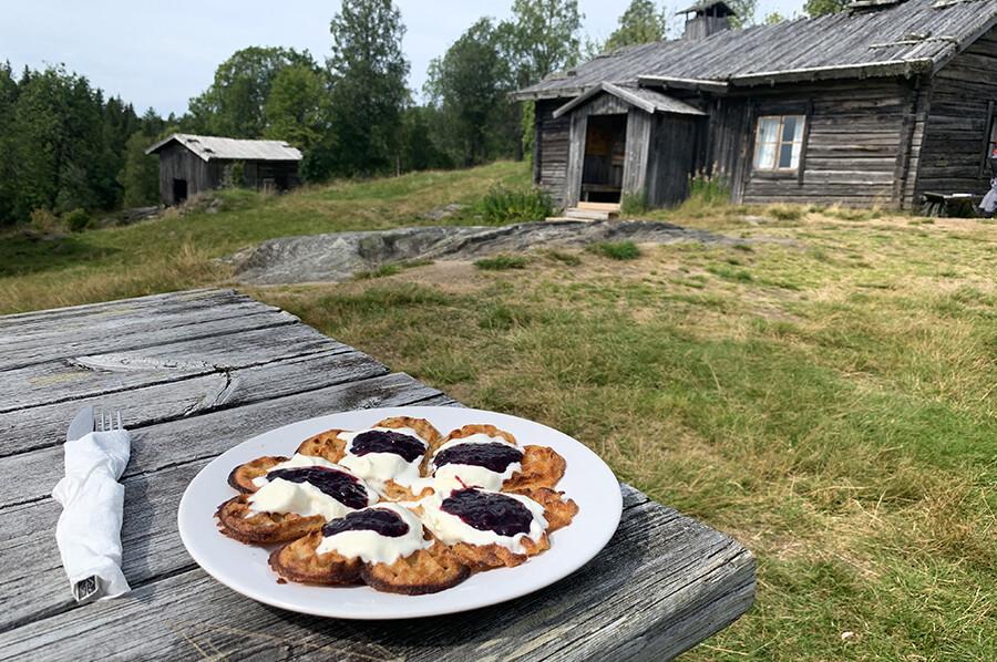 Wafels eten bij Ritamäki Finngård - sommarmorgon.com