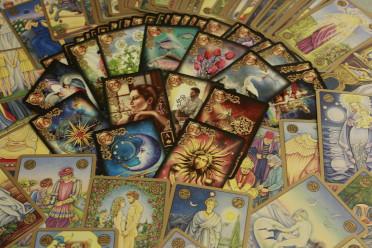Oracles et tarots divinatoires
