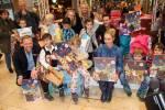 """Erfolgreiche Geschenkespendenaktion zugunsten BILD hilft e.V. """"Ein Herz für Kinder"""" in der Europa Passage Hamburg"""