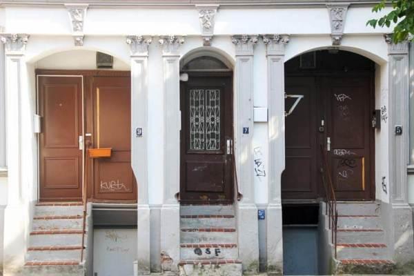 Schlüsseldienst: Türen in Hamburg