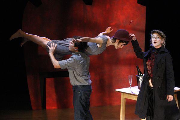 Estima'ma que tinc pressa - (c) Xucrut Teatre