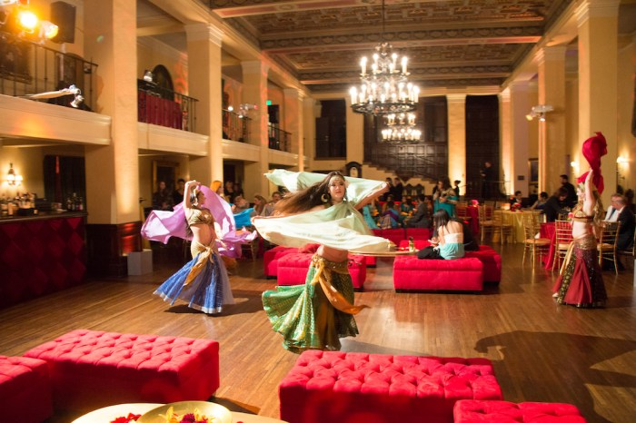 Beautiful Moroccan Party Entertainement by belly dancers performing, Image source: Exquis Events