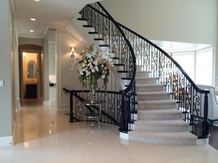 Moroccan Wrought Iron Staircase, Image source: hgtv