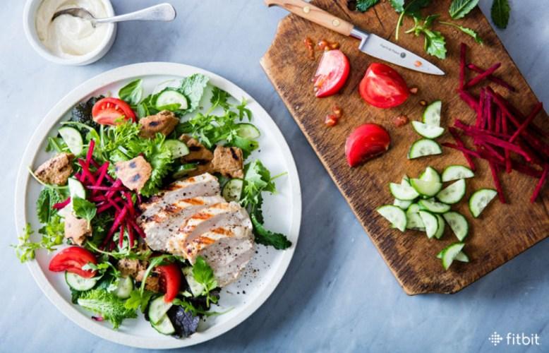 Crear ensalada saludable