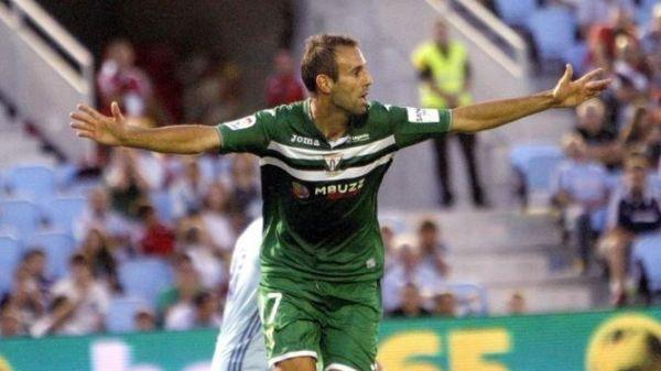 Víctor Díaz, primer gol en Primera
