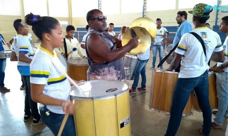 escolas de amarante ensaios desfile amarante