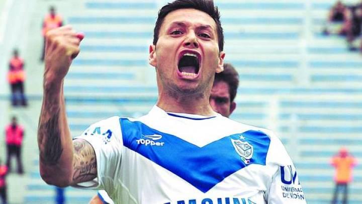 Mauro-Zarate-delanteros-BrasilL-LUCCA_CLAIMA20131031_0052_27