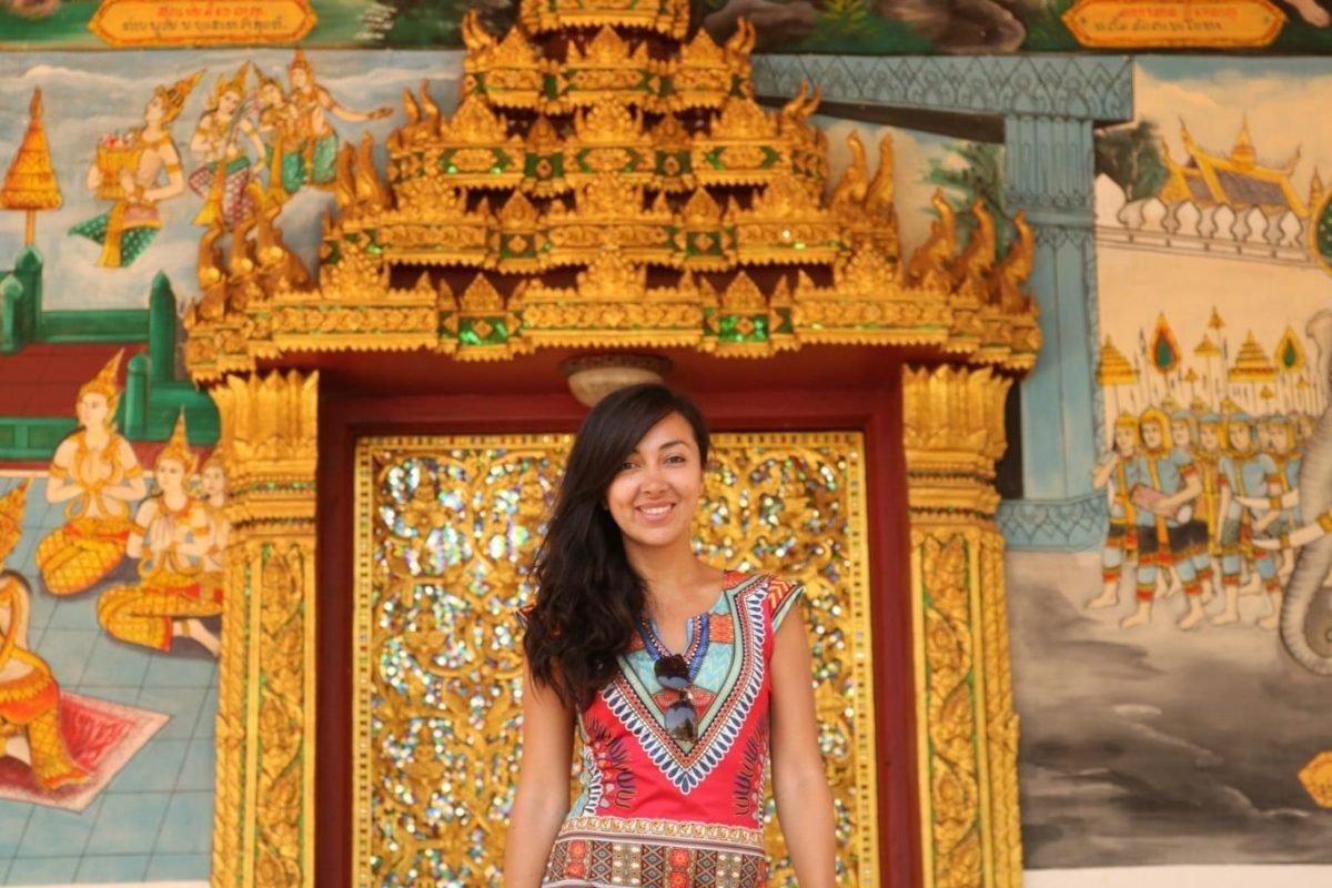 Viajar sola Templo Laos
