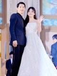 1606 Song Hye Kyo and Song Joong Ki - Baeksang Art Awards(3)