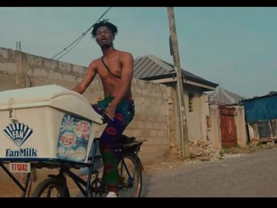 VIDEO: Kwesi Arthur - Porpi
