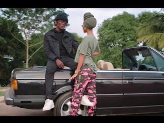 VIDEO: Kofi Mole - Me Ne Woaa