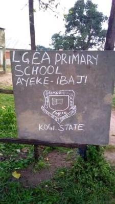 School Pupils In Kogi Commissioner's Village Learn Under Trees, Lack Furniture (Photos)