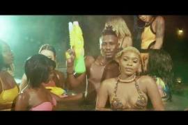 VIDEO : Tinny Mafia - Komije ft. Ycee